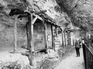 La Roque Saint Christophe early structures