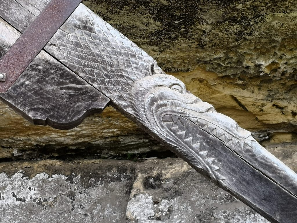 La Roque Saint Christophe crane details