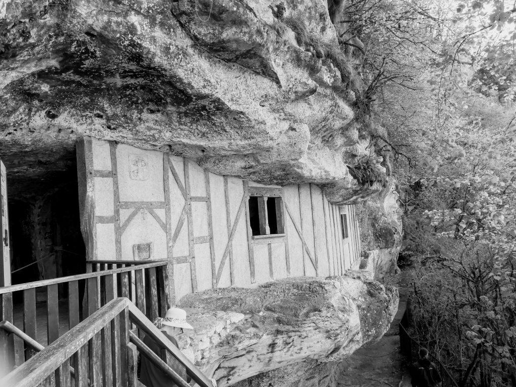 La Roque Saint Christophe dwelling exterior